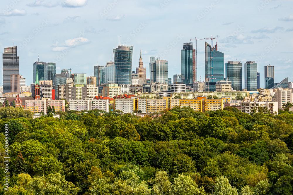 Fototapeta Warszawa Wola Park wieżowce centrum Warsaw Spire Varso Tower