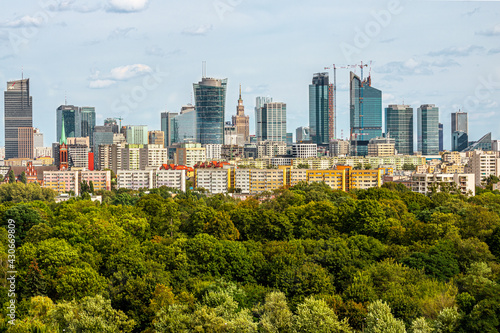 Fototapeta Warszawa Wola Park wieżowce centrum Warsaw Spire Varso Tower  obraz
