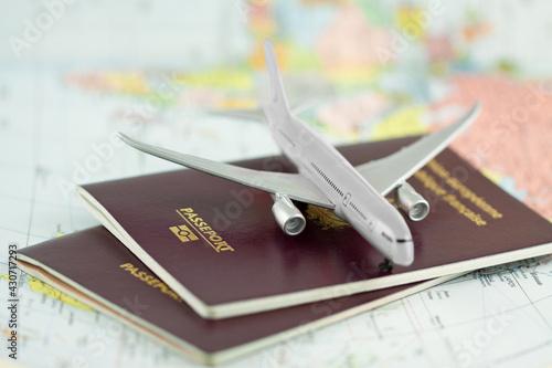 Fotografia, Obraz Concept voyages par avion, passeports, planisphère