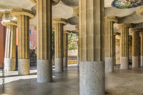 Billede på lærred Colonnaded footpath in Parc Guell designed by Antoni Gaudi