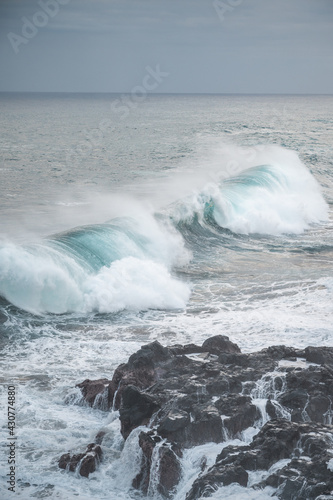 Fototapeta Great wave of Kanagawa and black rocks