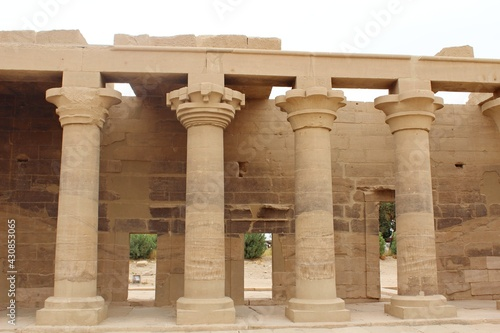 Fotografia The great columns of Philae temple in Aswan in Egypt