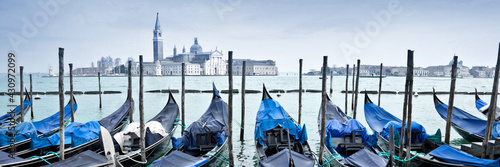 Fototapeta Venice gondolas panorama, Italy obraz
