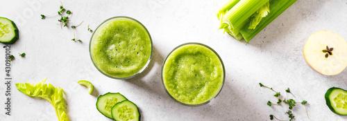 Fototapeta Green vegetable juice or smoothie obraz
