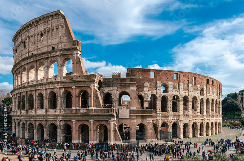 Photo Rome,Italy - Exterior facade of Colosseum.