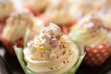 Muffin Con Panna, Decorato Senza Glutine