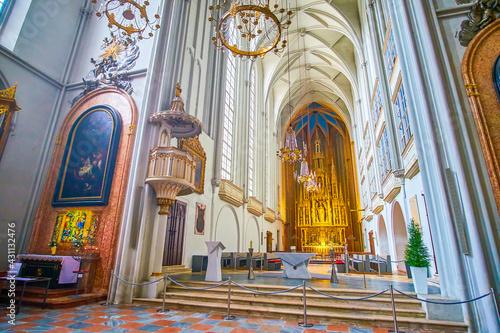 Tableau sur Toile The Altar of Augustinerkirche in Vienna, Austria