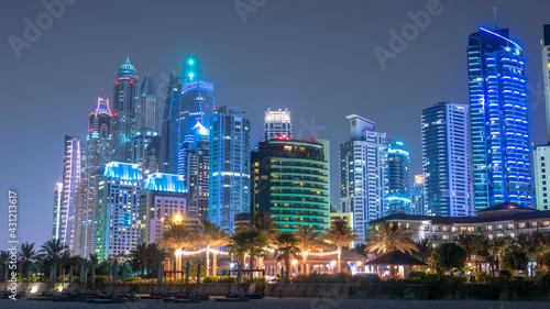 Dubai Marina Strand bei Nacht - fototapety na wymiar
