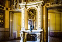 ウィーン国立歌劇場ツアーする。