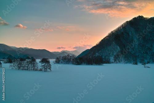 Canvas Print 冬の夜明け