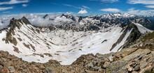 Panoramique Sur Les Lacs De La Belle Etoile  En Cours De Dégel Au Printemps , Massif Des Sept Laux , Chaîne De Belledonne , Isère , Alpes , France