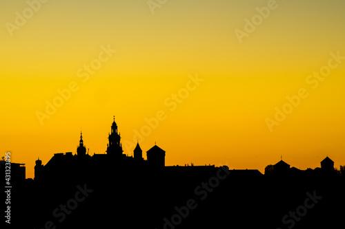 Wschód słońca na Wawelu  - fototapety na wymiar