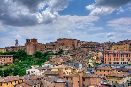 Fototapeta premium Beautiful panoramic view of the historic city of Siena, Italy.