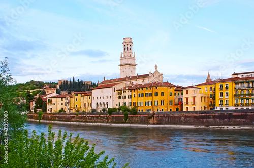 Photo The view of Citta Antica and Adige River, Verona, Italy