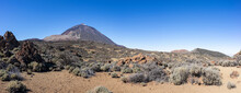 Teneriffa - Blick Zum Vulkan Pico Del Teide Vom Wanderweg Zur Fortaleza In Der Landschaft Des Teide Nationalpark