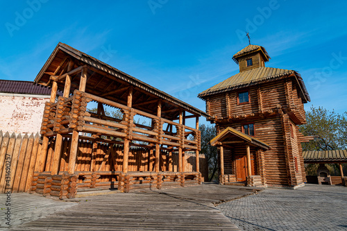 Canvas-taulu Traditional Russian medieval wooden fortress in Samara, Russia..