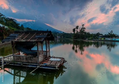 Fotografie, Obraz hut on the lake