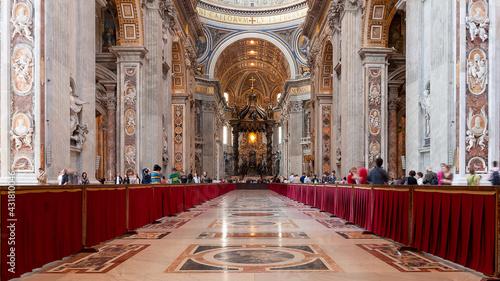 Obraz na plátně Interior of St Peter's Basilica