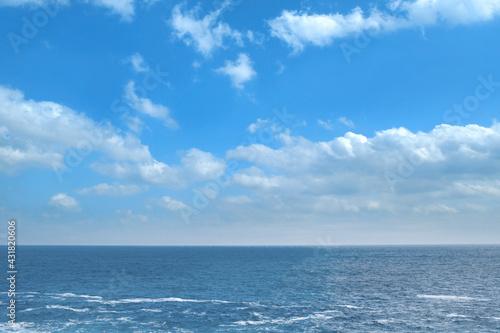 Fototapeta 晴天の爽やかな海 obraz
