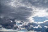 Fototapeta Na sufit - Zachmurzone niebo