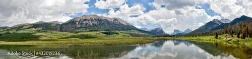 Αφίσα panoramic of the upper green river valley in Wyoming, green river with wind rive