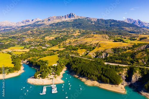 Fototapeta Picturesque landscape of Serre-Poncon Lake in French Alps