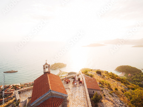 Canvas Print Wedding ceremony near the ancient monastery on the observation deck overlooking