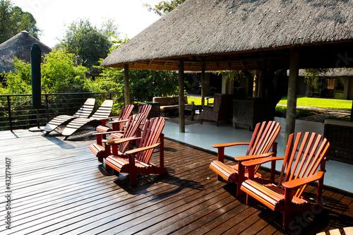 Sabi Sabi private game reserve pool and deck chairs at main lodge Fotobehang