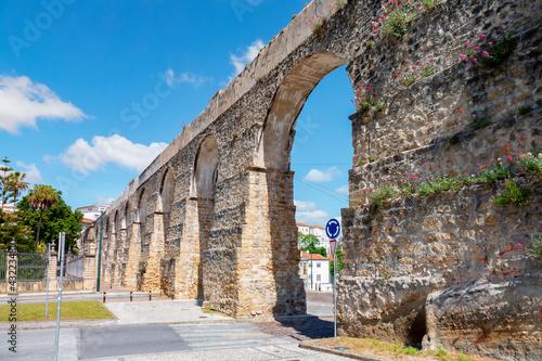 Obraz na plátně Aqueduct in the city of coimbra