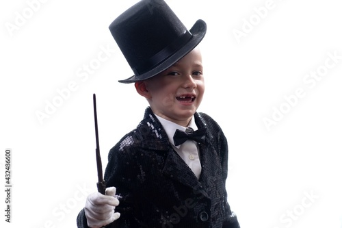 Magician kid illusionist boy in hat Tapéta, Fotótapéta