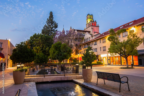 Valokuva Twilight view of the historic section of downtown Riverside, California