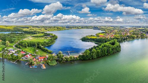 widok z lotu ptaka na Chmielno na Kaszubach w północnej Polsce