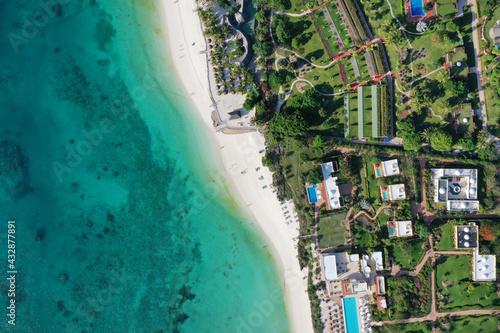 Fotografiet Tropical Sea. Amazing bird eyes view in Zanzibar