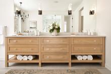 Symmetrical Luxury Home Showcase Interior Master Bathroom Vanity