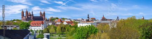 Foto Worms am Rhein, Stadtpanorama mit Dom und Liebfrauenkirche