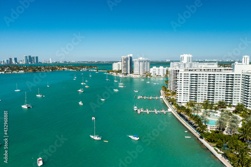 Fotografia Aerial drone view of Miami Beach from the intracoastal waterway