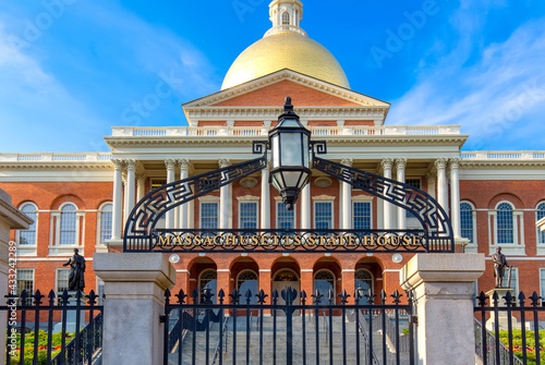 Obraz na płótnie Massachusetts Old State House in Boston historic city center, located close to landmark Beacon Hill and Freedom Trail