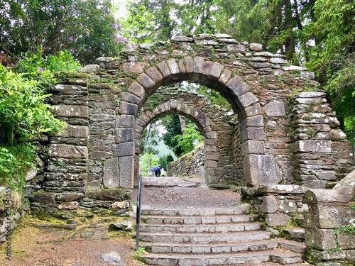 Carta da parati Old Stone Arched Entrance Glendalough in Ireland