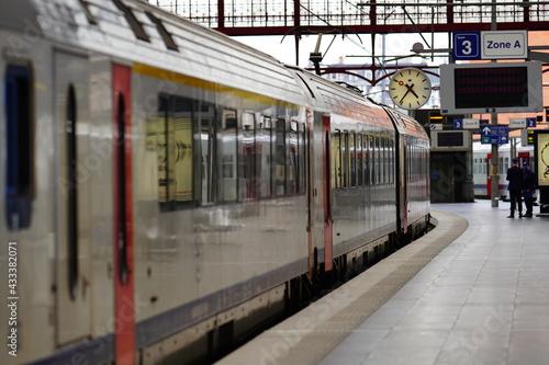 Obraz na plátně train in the station