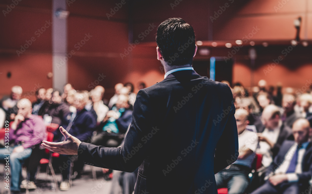 Speaker giving a talk at business conference meeting. - obrazy, fototapety, plakaty