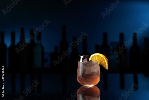 Obraz Cocktail Great Gatsby with orange slice. - fototapety do salonu