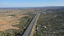 Survol D'une Autoroute Dans Le Sud De La France