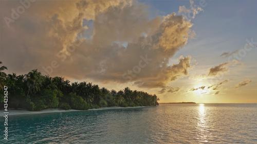 Obraz na płótnie Sunrise in the Maldives