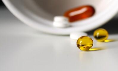 lek, pigułka, zdrowie, kapsułka, medyczne, pigułka, witamin, apteka, kapsułka, farmaceutycznego, suplement, lecznictwo, zdrowa, zółty, tabletka, omega, lekarstwa, biała