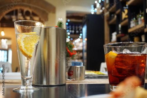 Obraz na plátne Close-up Of Aperitive Glass On Table