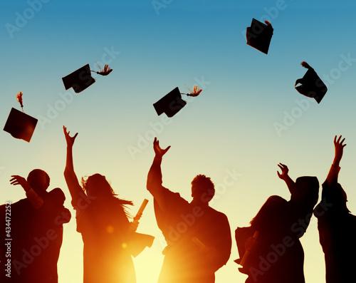 Fotografia Group of diverse graduating students