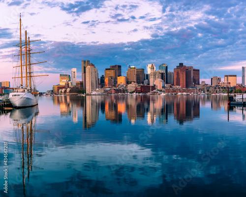Foto Massachusetts-Boston harbor and skyline