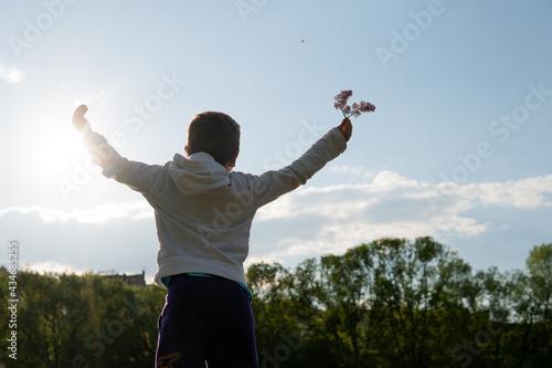 Fotografia guy enjoys a sunny day