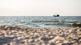 Fototapeta Fototapety z morzem do Twojej sypialni - Morze bałtyckie Statek Łódź Plaża