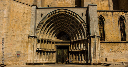 Fotografie, Obraz The entrance to the Cathedral of Saint Mary of Girona - a Roman Catholic church